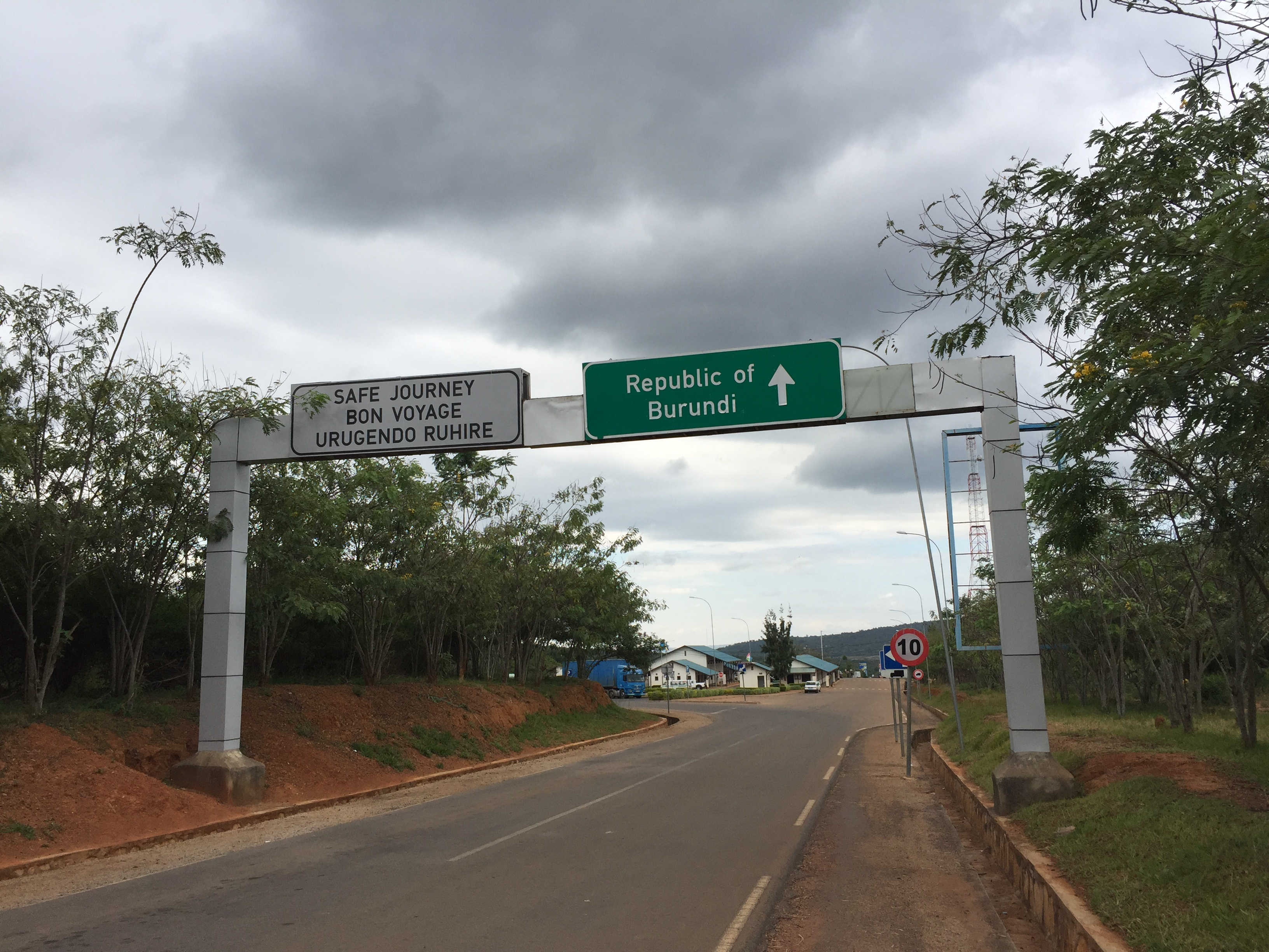 Burundi Border Crossing with Rwanda - Burundi Travel Blog