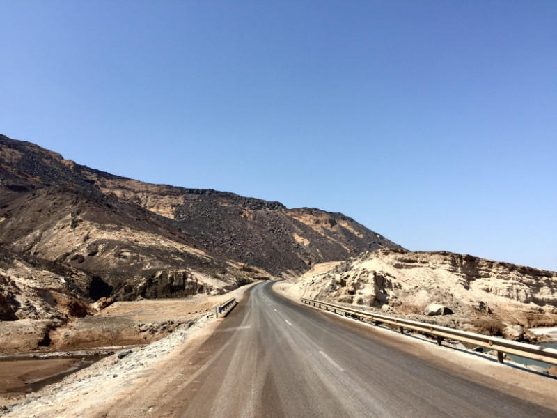 Road to Lac Assal travelling to Djibouti